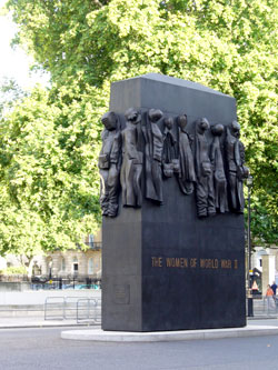 Monument to women of World War II